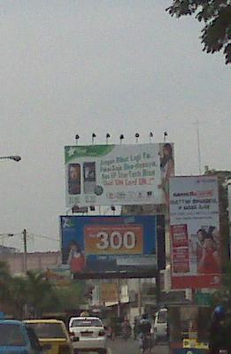 Perang Terbuka di Billboard