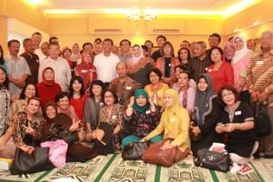 Reuni eks karyawan Grafiti Pers di rumah dinas Dahlan Iskan