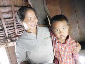 Ibu Astina dan putranya Kiki
